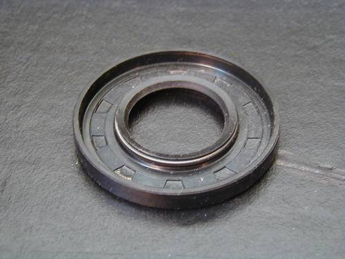 OIL SEAL, PRIMARY TO MAINSHAFT<br/>CHAIN HOUSING, 1970-EARLY 1984&nbsp;&nbsp;