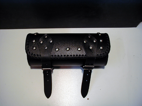 LEATHER TOOL ROLL , BLACK<br/>WITH RIVETS&nbsp;270 x 120 mm&nbsp;